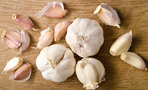 smelly garlic